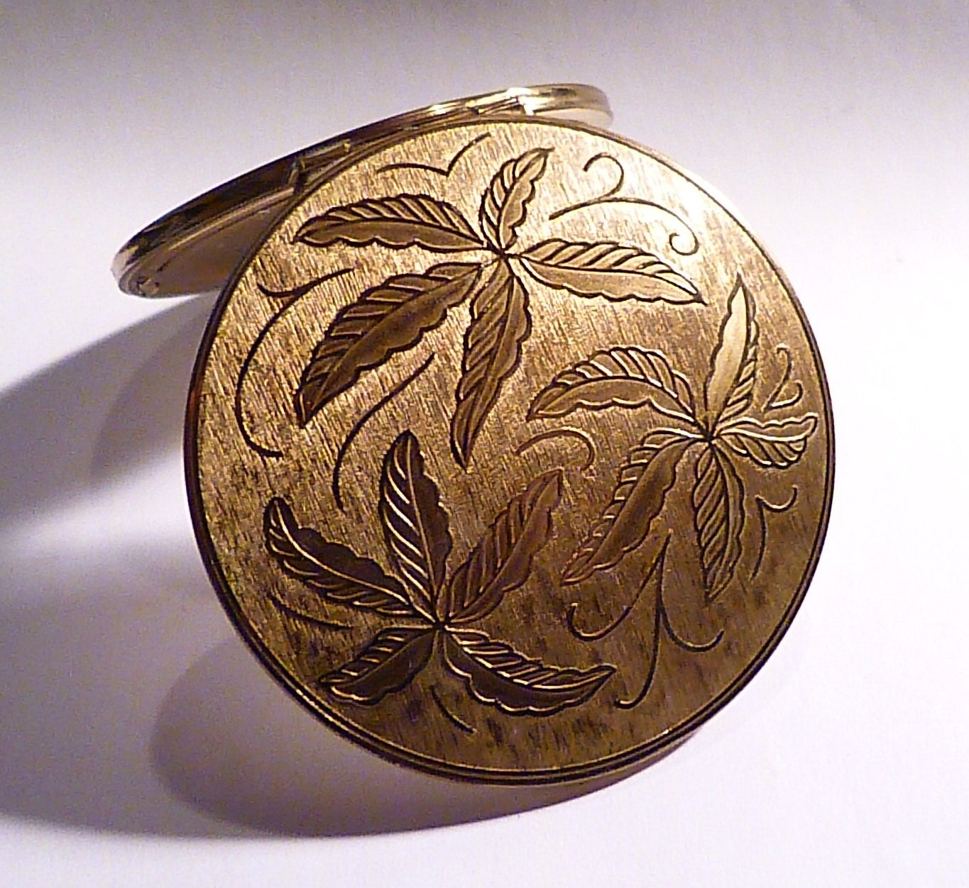 Vintage  compacts Stratton RONDETTE powder compact bridesmaids something old presents