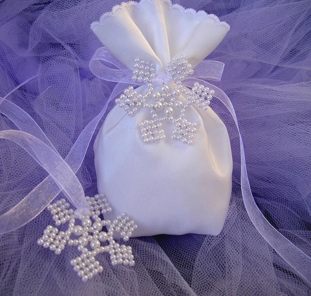 Winter Wedding Gift Bag Ideas : WInter Wedding Favor Bag - Winter Wedding gift bag - Christmas gift ...