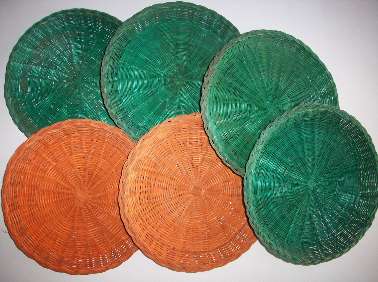 bamboo paper plate holders Here at the online store plate-holderscom you can shop for all of the plate holders you can't find anywhere else, including decorative plate stands and wall plate racks.