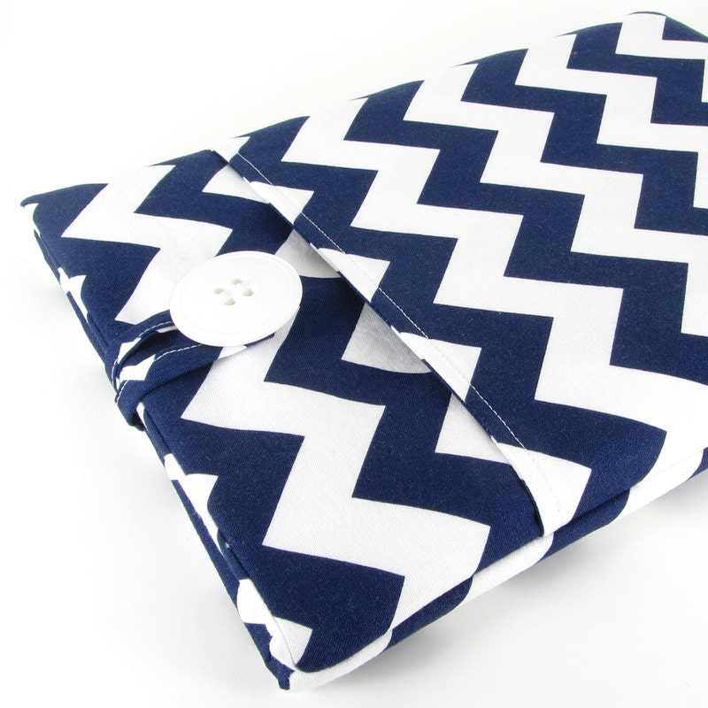 iPad Mini Case, Apple iPad Mini Sleeve Case, iPad Mini Cover, 7.9 Inch iPad Case, Padded, Pocket - White And Navy Chevron.