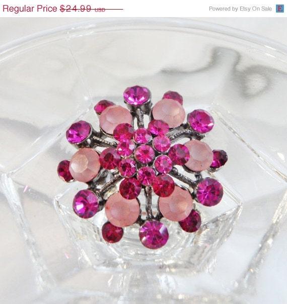 SALE Vintage Pink Brooch. Pendant. Frosted Pink Rhinestones. Hot Pink Snowflake. Cluster Pin. - waalaa