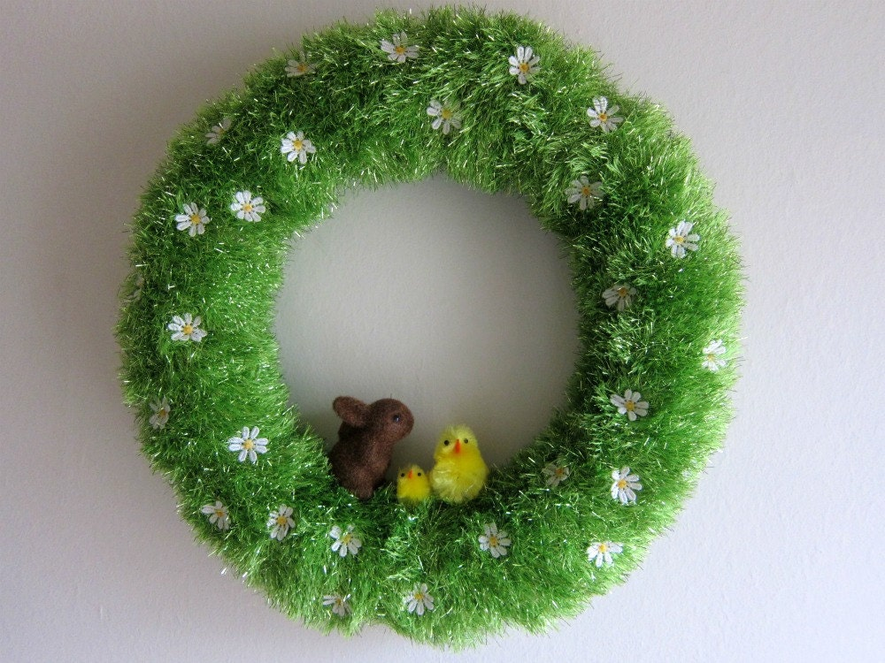 "12"" Easter Grass Spring Chick And Bunny Yarn Wreath - swirlsisters"