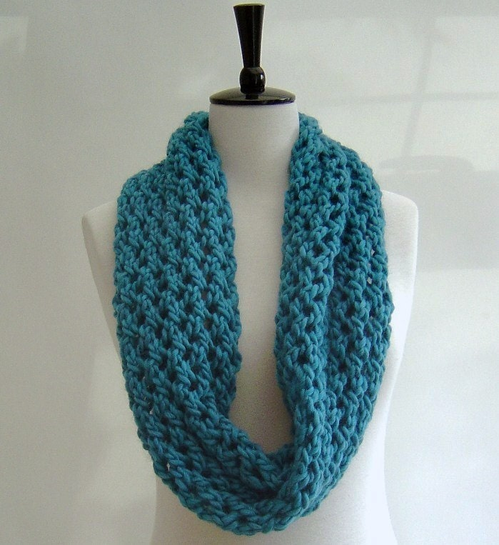 Knitting Scarf Patterns Beginners : Cowl Snood Scarf KNITTING PATTERN Chunky by Richmondhillknits
