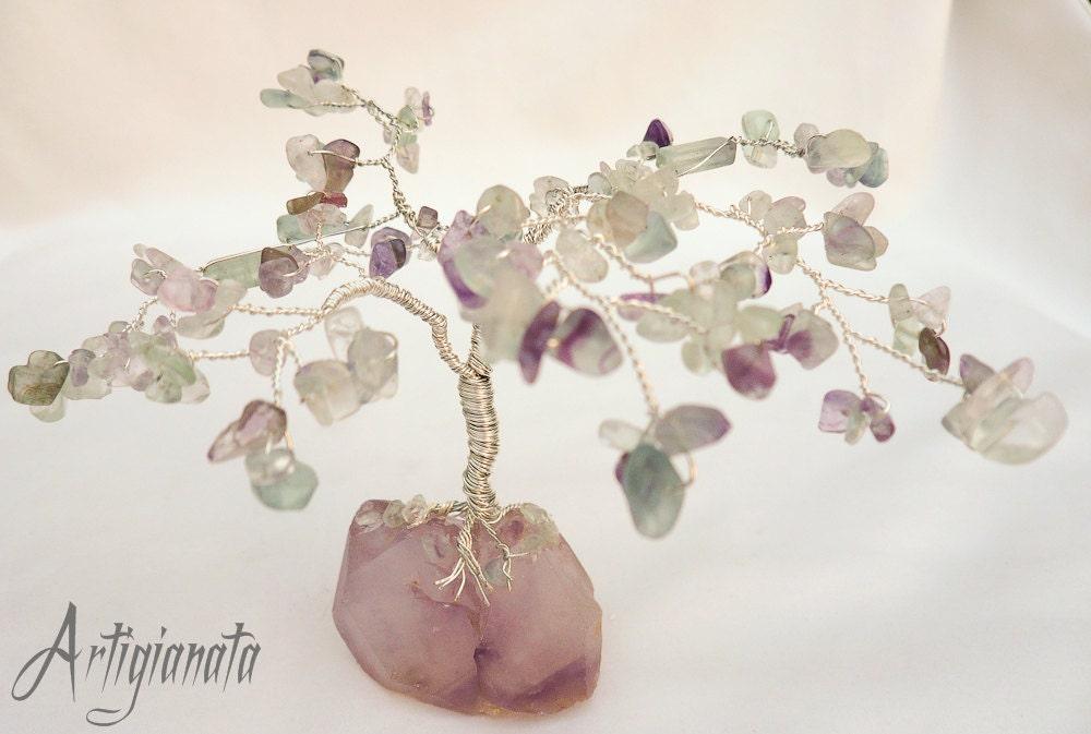 Lavender Tree. Feng shui Fluorite Gemstone Gem tree. Fluorite gemstone, Plated Silver wire and Amethyst Rough Gemstone. - Artigianata