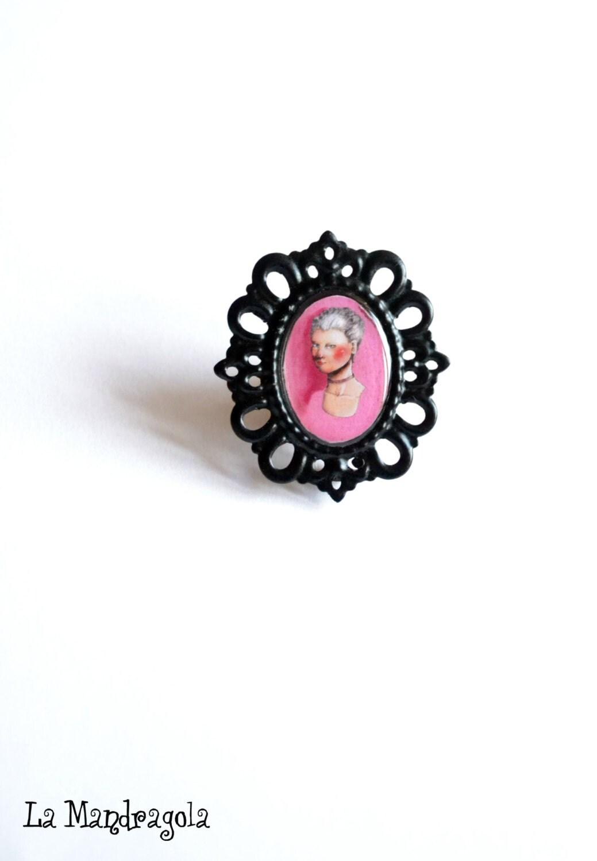 Marie Antoinette Black Pink Brooch - Mandragola
