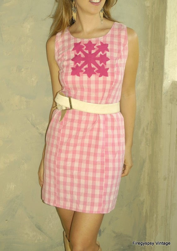 ON SALE vintage valentines dress (s, m)