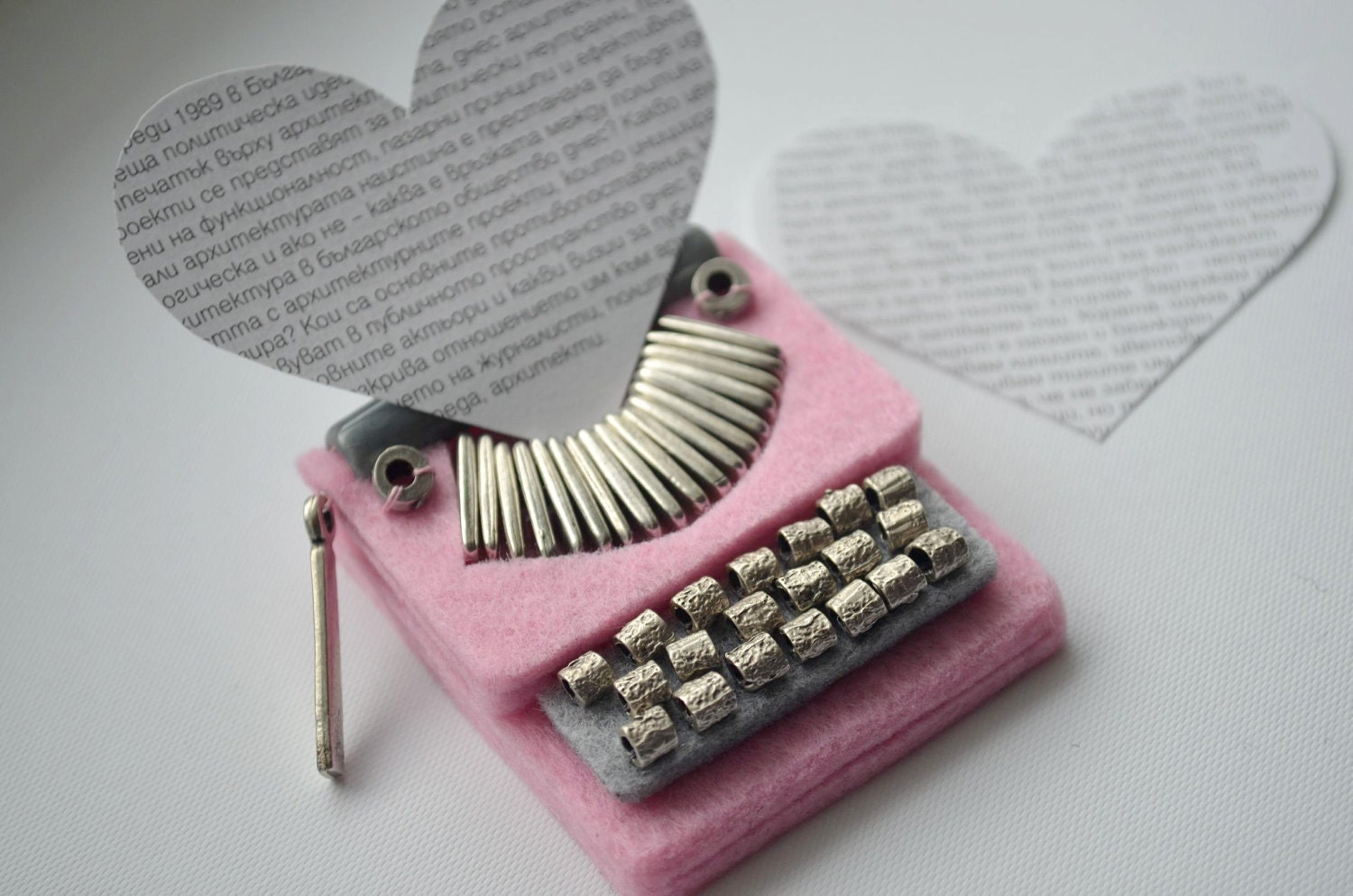 Pink Typewriter Brooch / Felt Brooch - greenaccordion