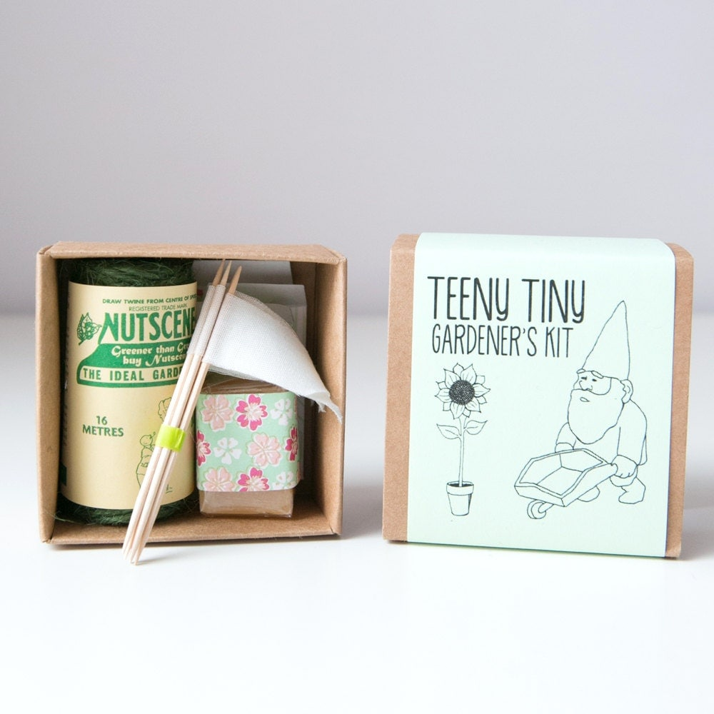 Teeny Tiny Gardeners Kit - BeryluneUK
