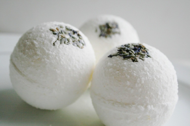 Lavender Essential Oil Bath Bombs - Set of 3 - ElegantRoseBoutique