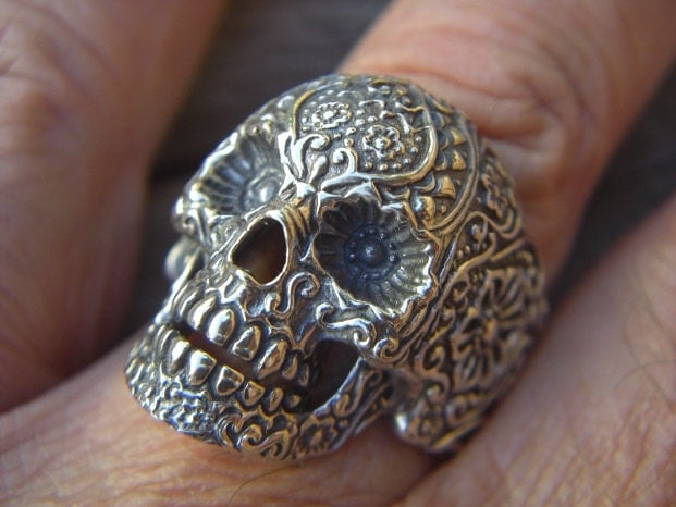SALE......Large sugar skull ring in sterling silver - Billyrebs
