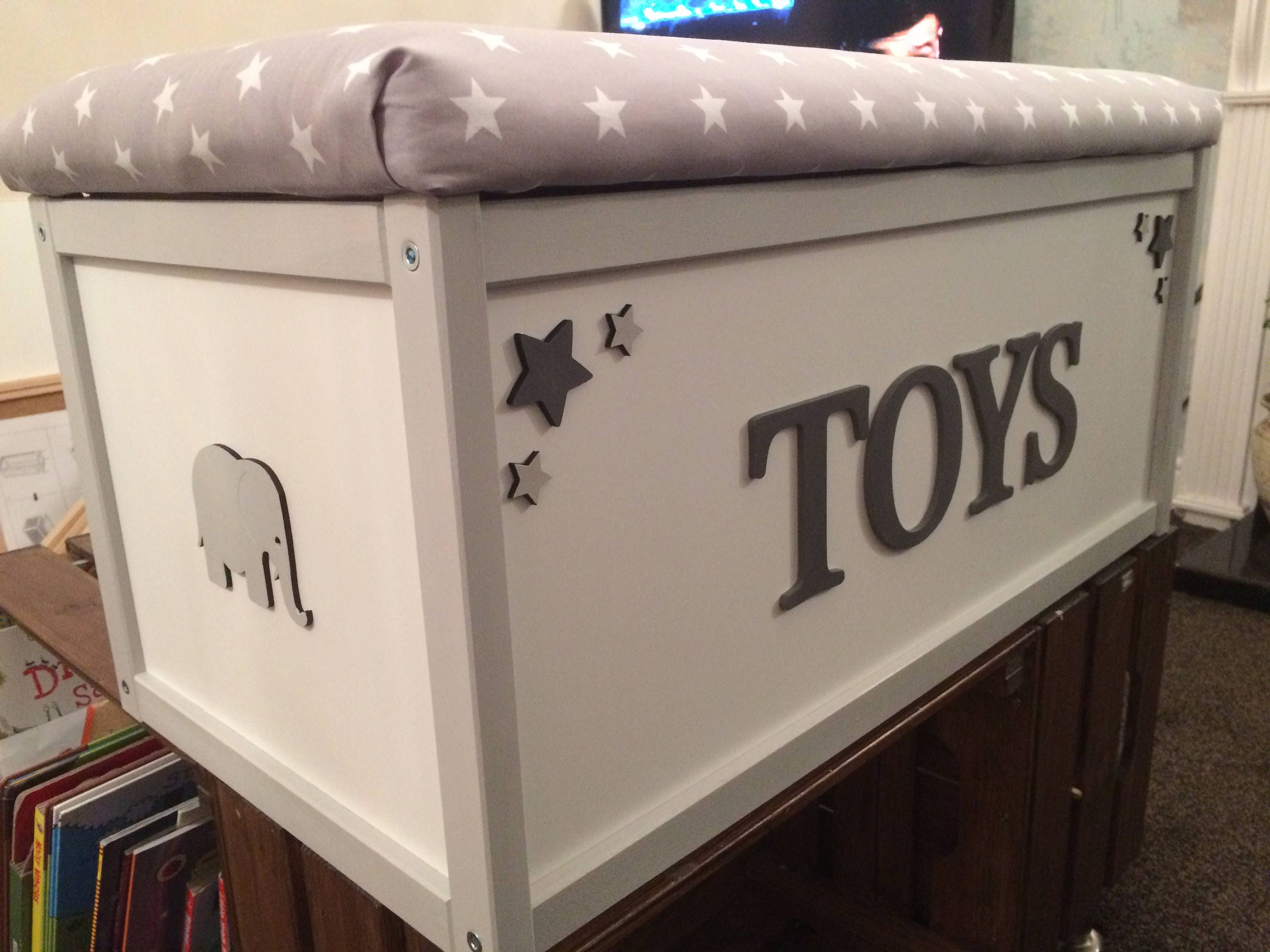 Personalised Toy Box. Toy Storage. Toy Box. Bunting. Toy Chest. Kids Toy Box. XL Toy Box. Kids Decor. Storage Chest. Fairies dressing up box