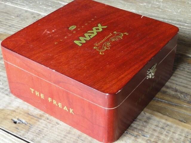 Wood cigar box huimidor craft supply destash by for Cardboard cigar box crafts