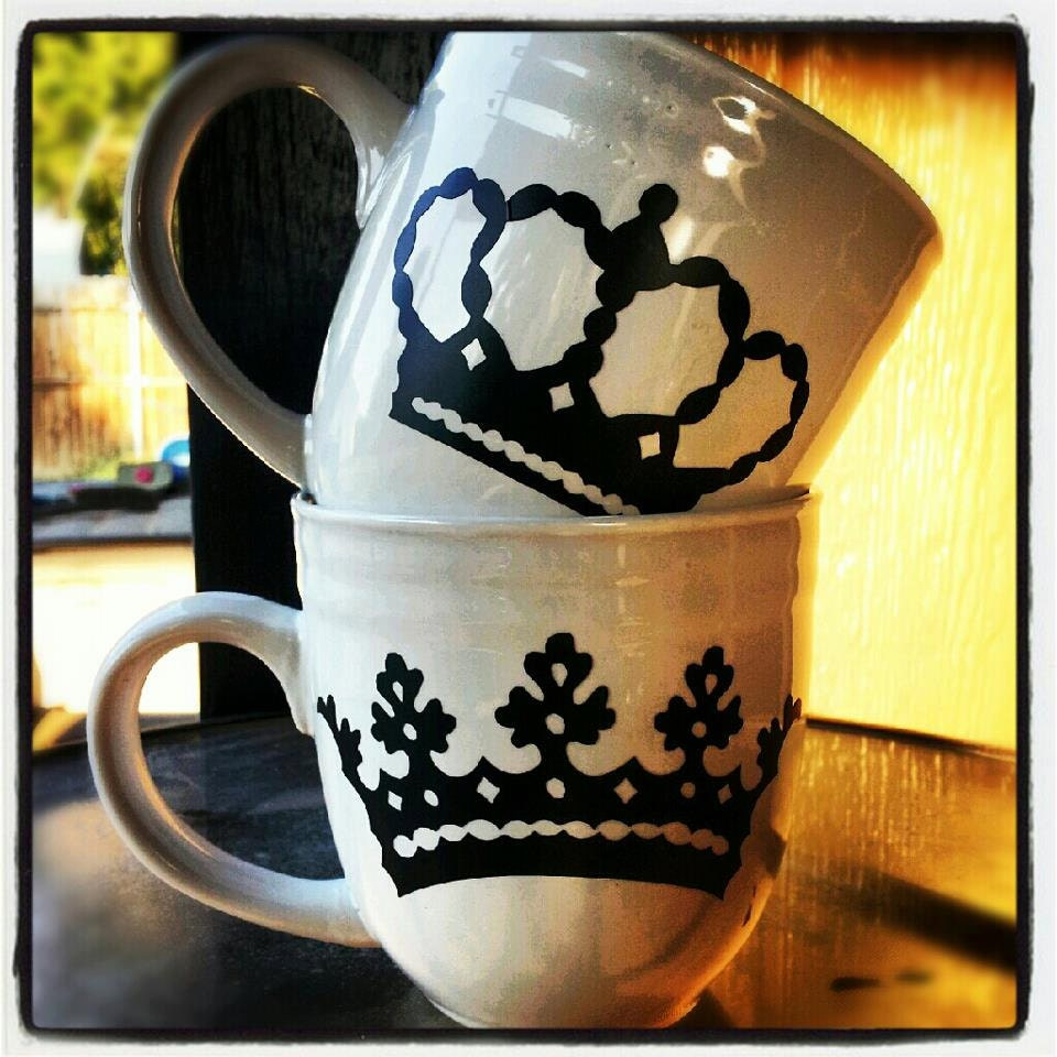 king and queen his and hers coffee mugs by justnat on etsy. Black Bedroom Furniture Sets. Home Design Ideas