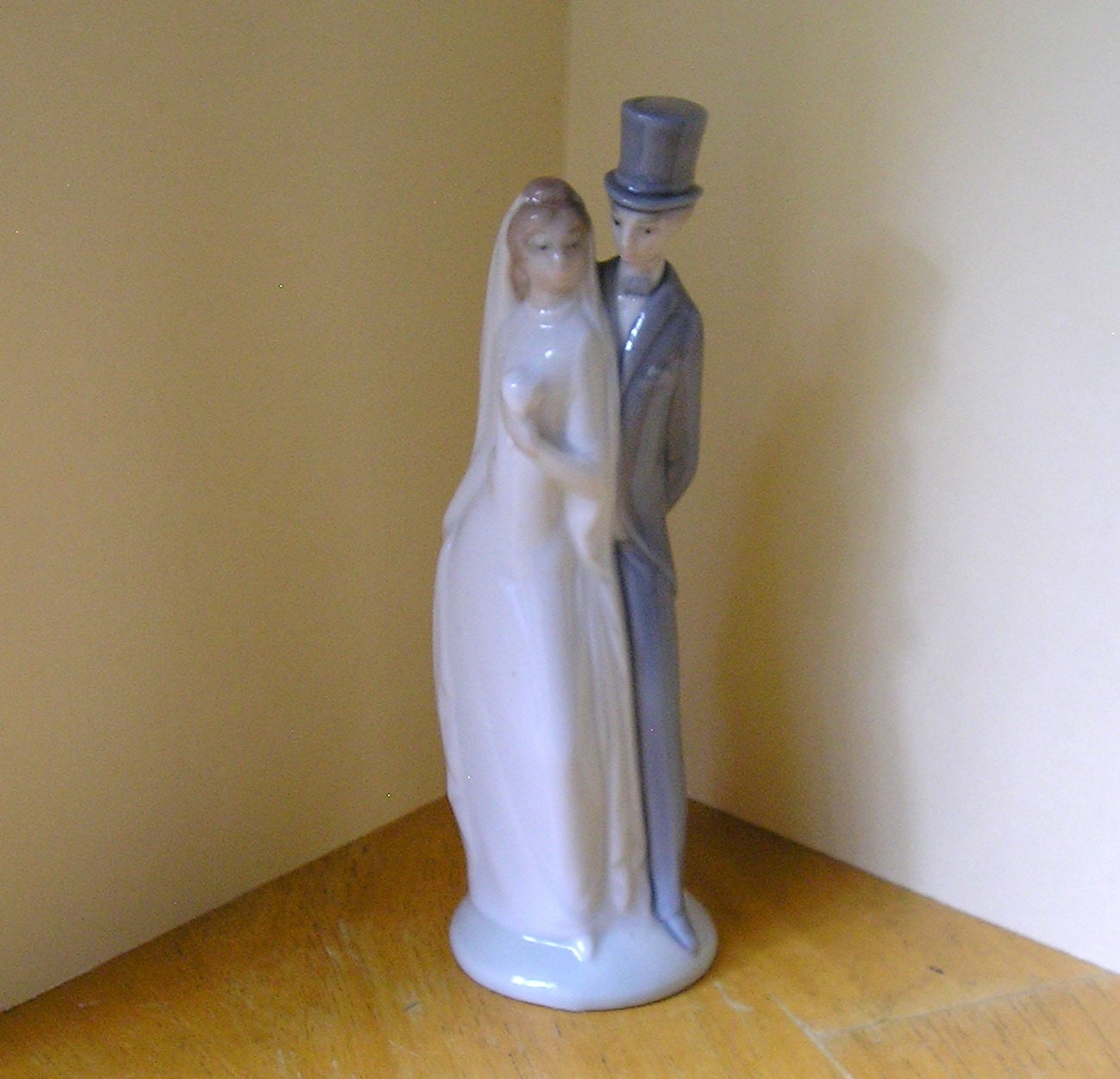 Wedding Cake Toppers Lladro Vintage Nao Style Top Hat Groom Bride By