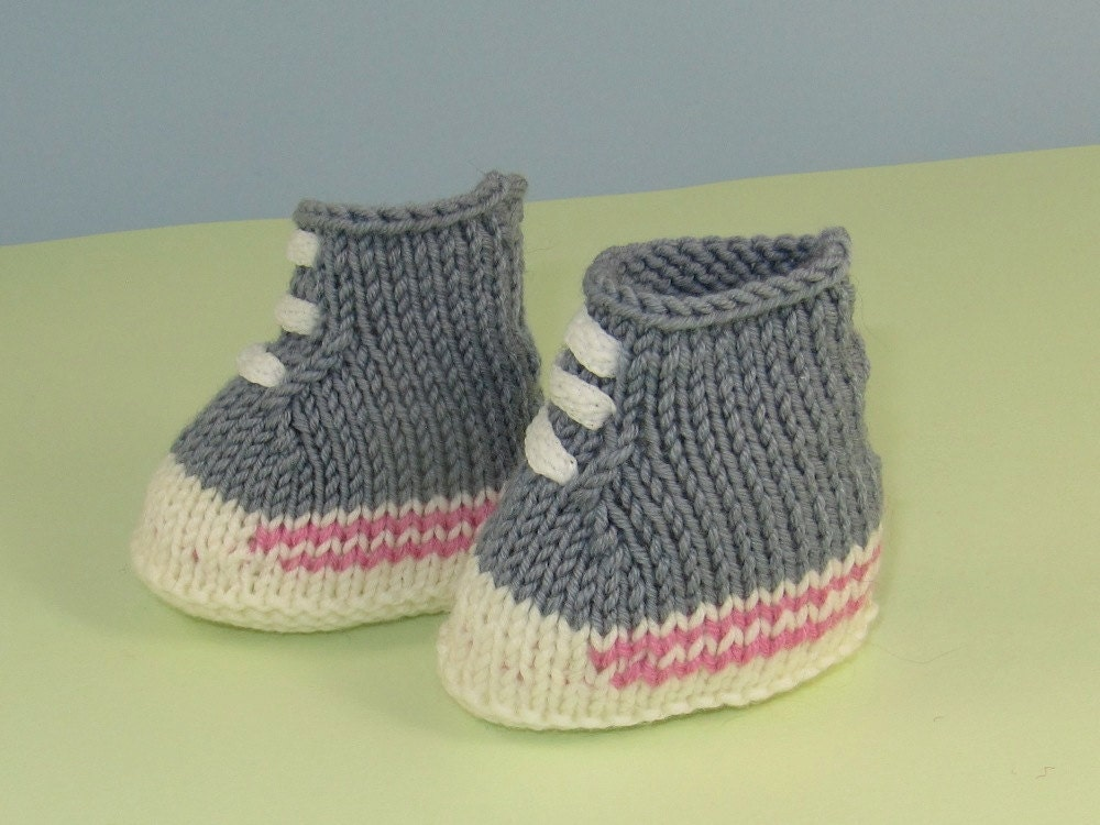 Knitting Pattern Baby Booties 4 Ply : Baby Booties Knitting Pattern 8 Ply