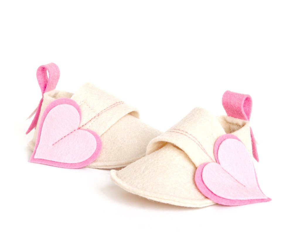 Girls baby shoes white & pink hearts, newborns booties, infant slippers, shower gift crib shoes - LaLaShoes