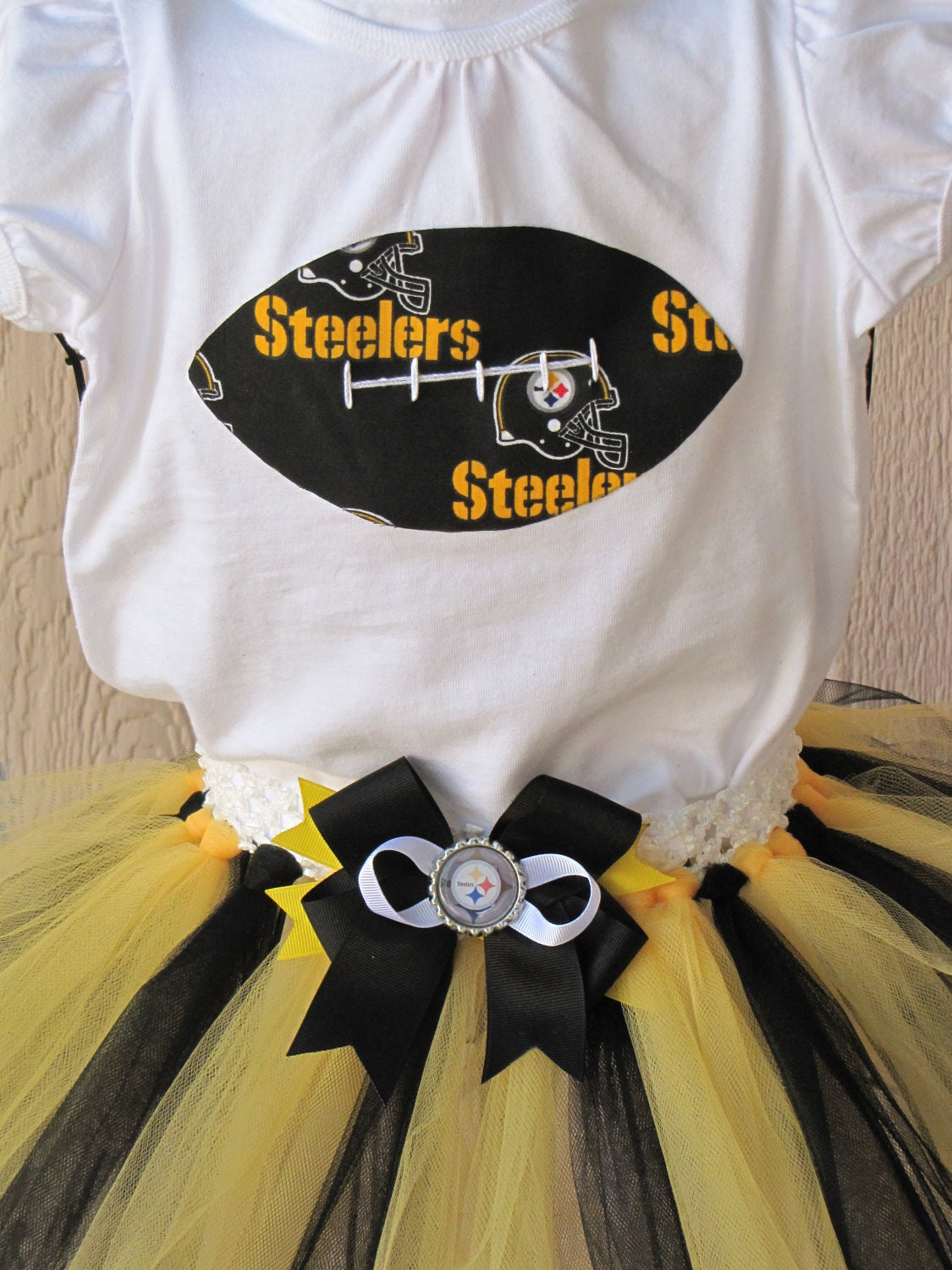 NFL Steelers Black and Yellow Tutu & Shirt Set with Detachable Hair Bow  24M
