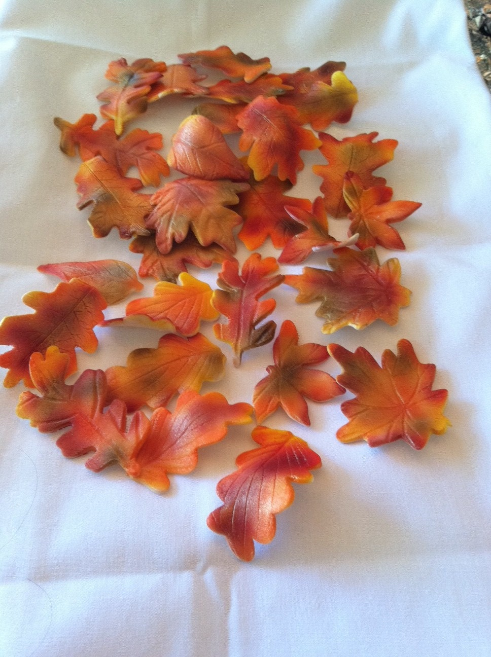 Cake Decorating Fall Leaves : Cake Decorations Autumn Gum Paste Edible Leaves by ...