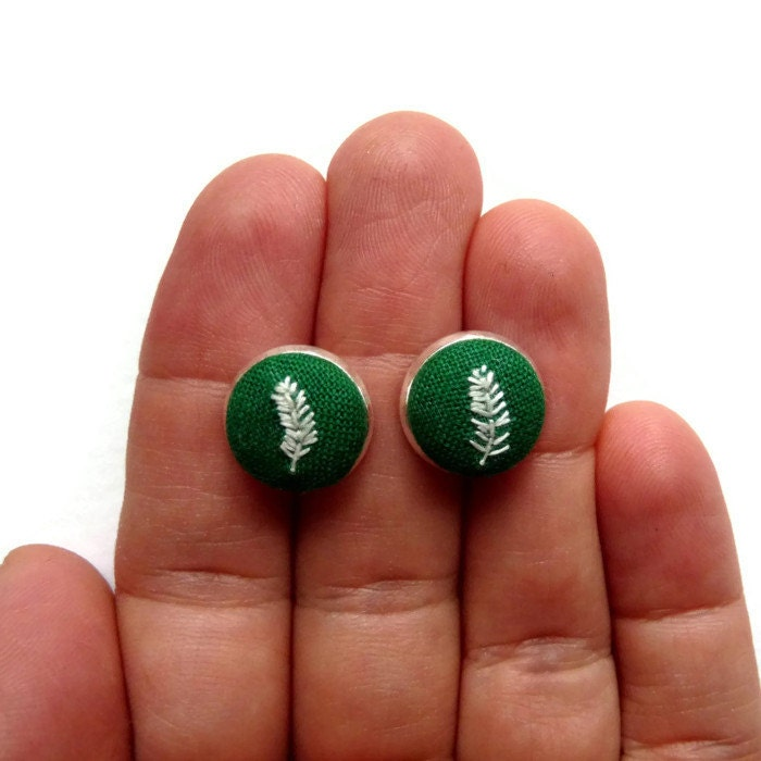 Forest green stud earrings with hand embroidered white feathers - CandykinsCrafts