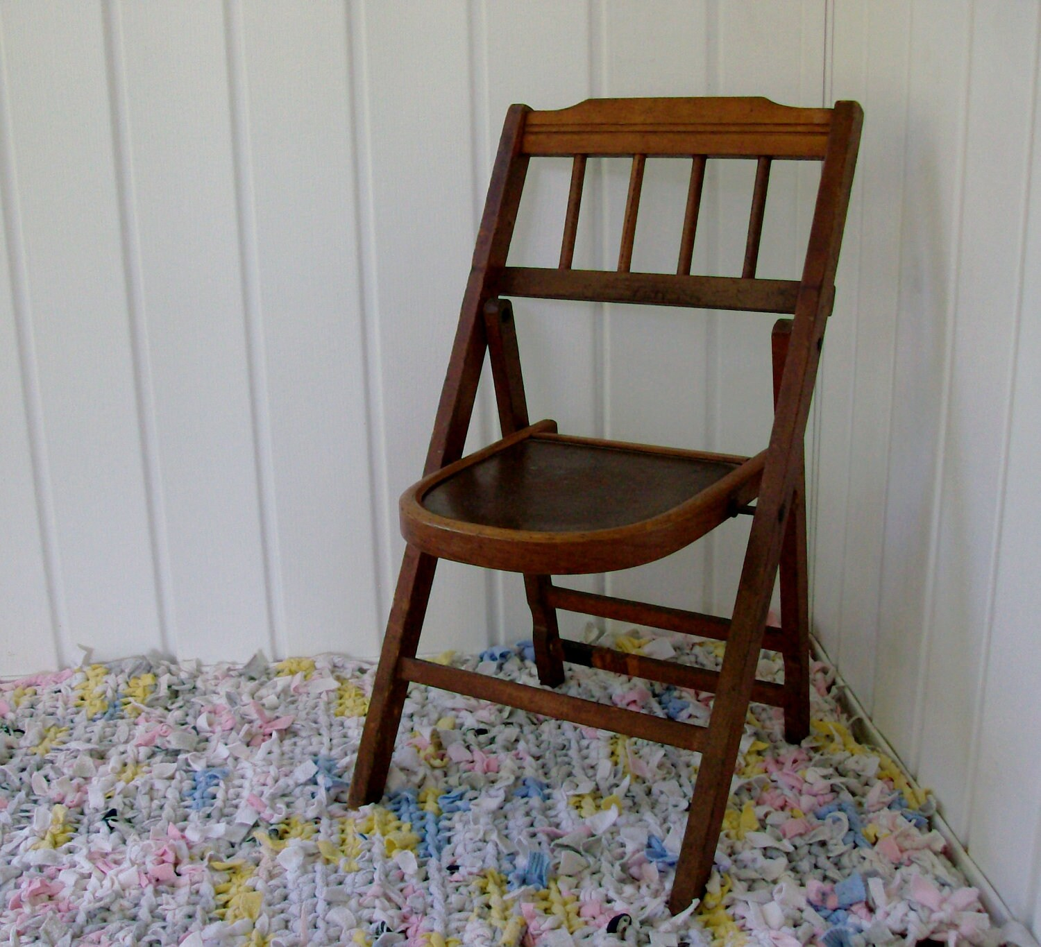 Items similar to 1940s Child s Folding Chair on Etsy