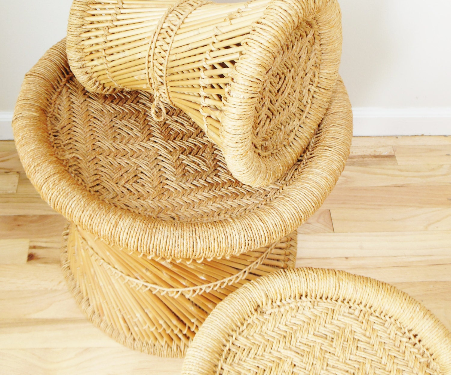 Retro Wicker Nesting Stools 1960s Set Of Three - FreewheelFinds