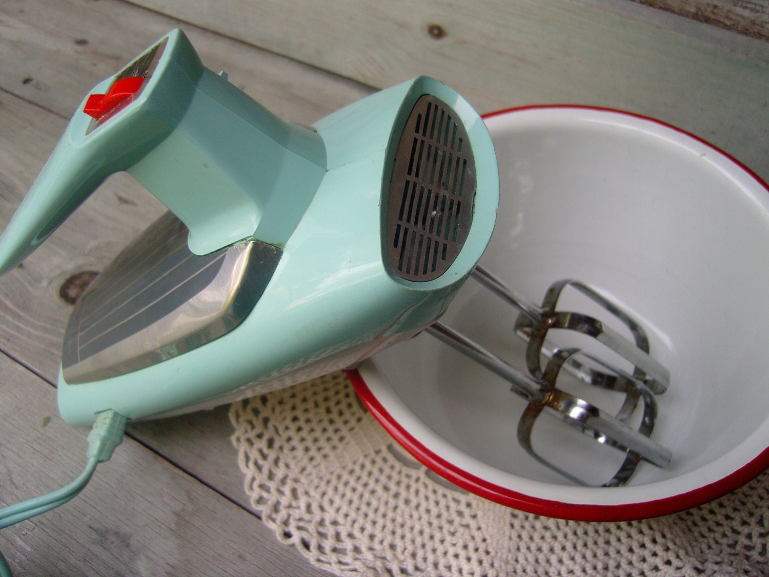 Mint green kitchen mixer retro kitchen by themixmatchedmutt for Antique general electric mixer