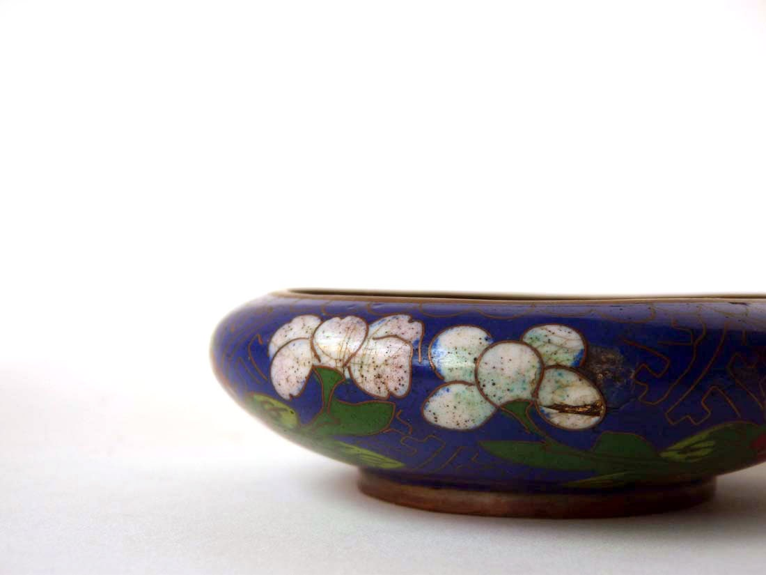 Small cloisonné bowl, midnight blue garden flowers, turquoise inside - ProfessorTiny