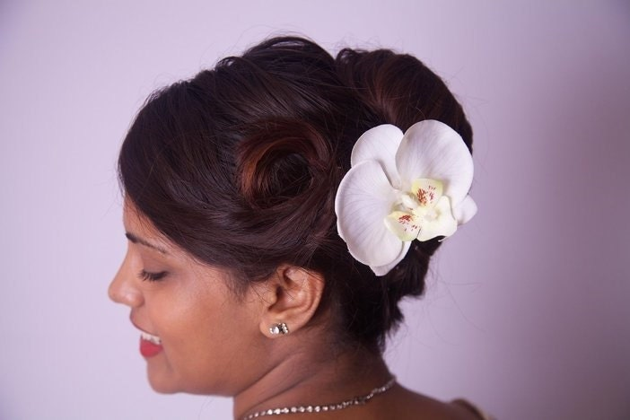 Rock Rockabilly Pin up Ivory Cream  Orchid pearl Bridal hair flower grip fascinator
