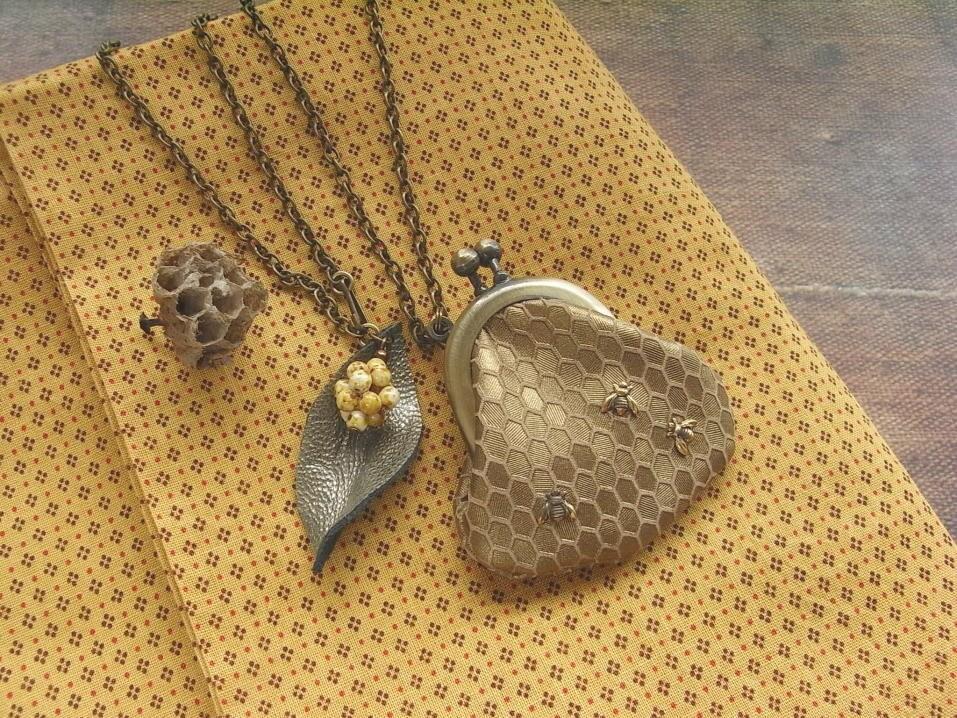 мини ожерелье кожаный кошелек - пчелы