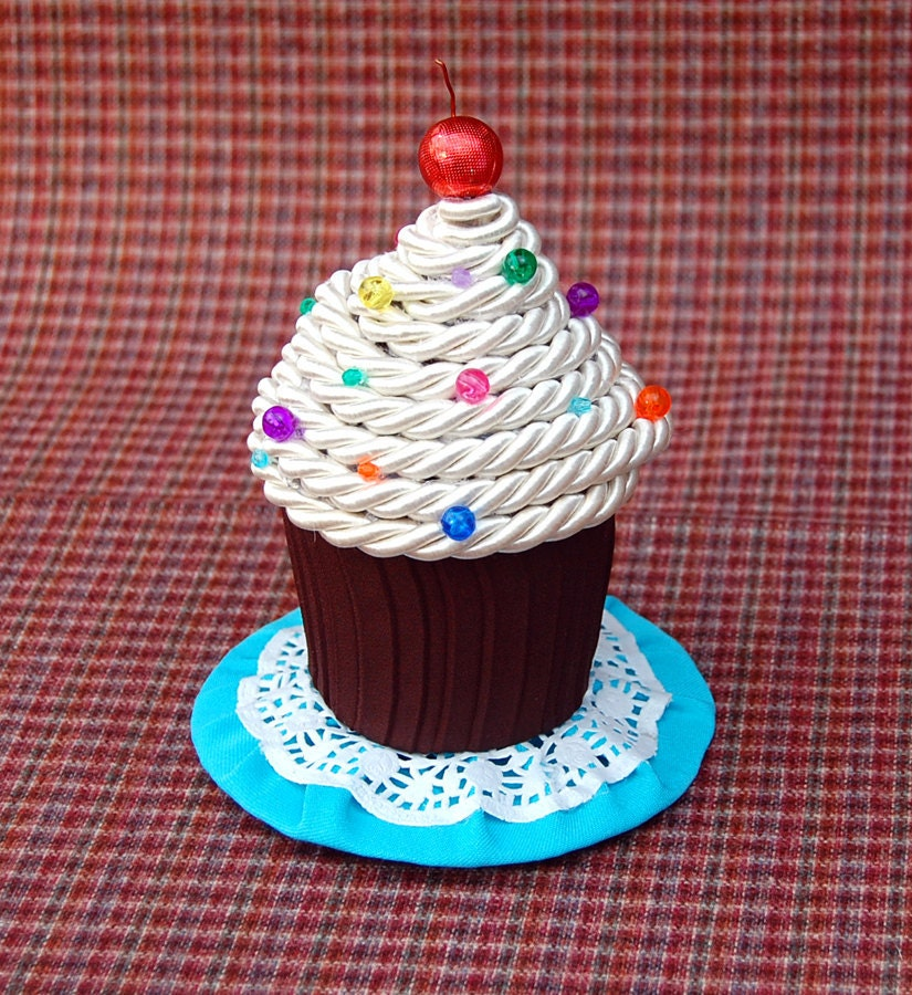 Tiny Top Hat: Chocolate Cupcake - Kawaii tophat cup cake sprinkles rainbow colorful white brown rainbow chocolate costume