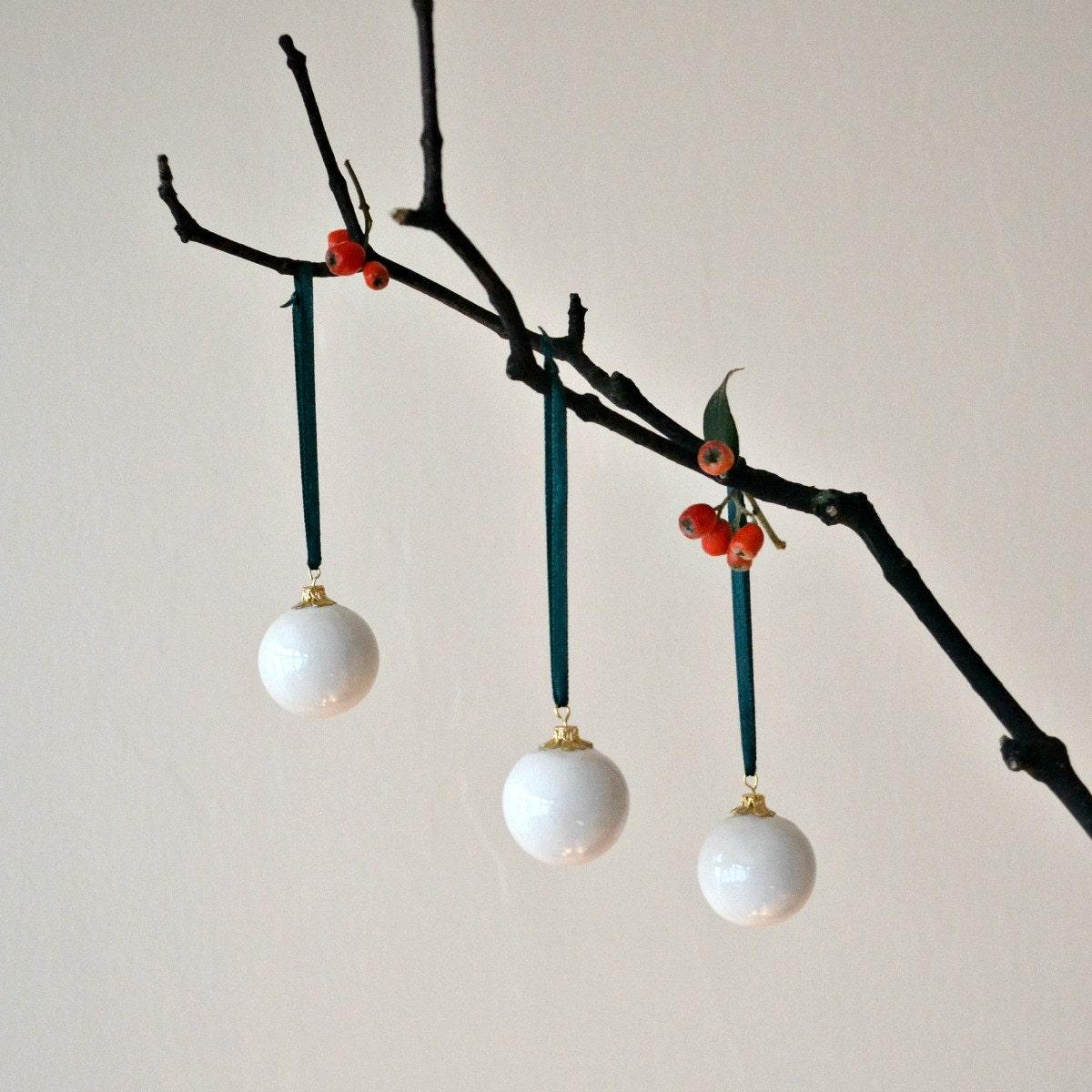 Christmas tree ornament, Christmas decoration, Christmas ball bowl, ceramic Christmas decoration ornament white snow - JasminBlancBoutique