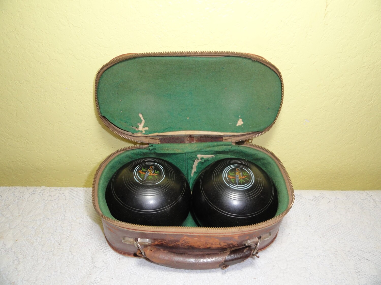 Bocce Ball Lawn Bowling : Items similar to Vintage Bocce Lawn Bowling Balls in Leather Case
