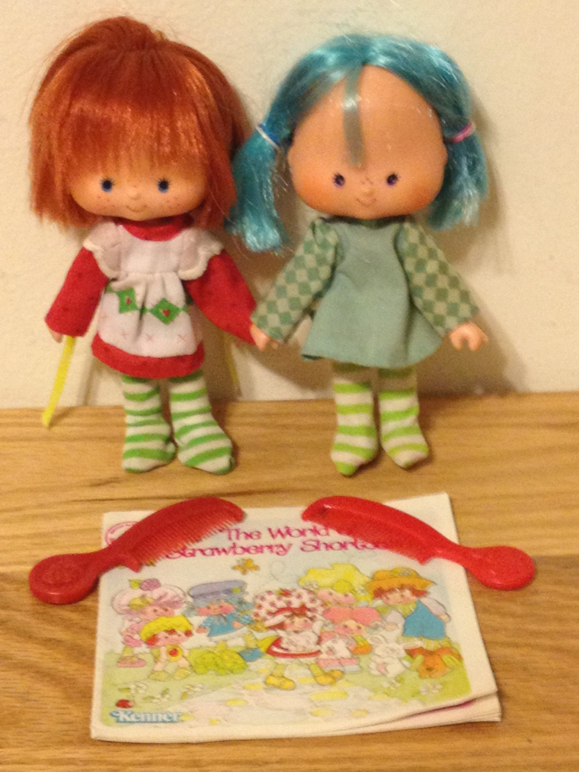 Vintage strawberry shortcake & blueberry muffin dolls