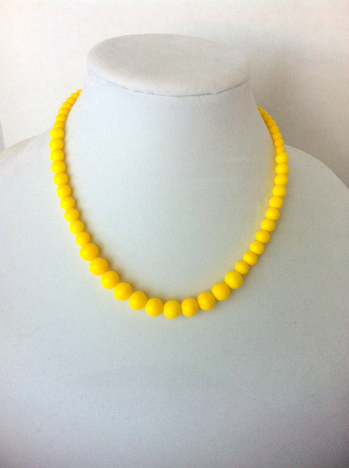 Yellow Necklace, Graduated Bead Yellow Necklace, 18 inch Necklace - DivaliciousJewels