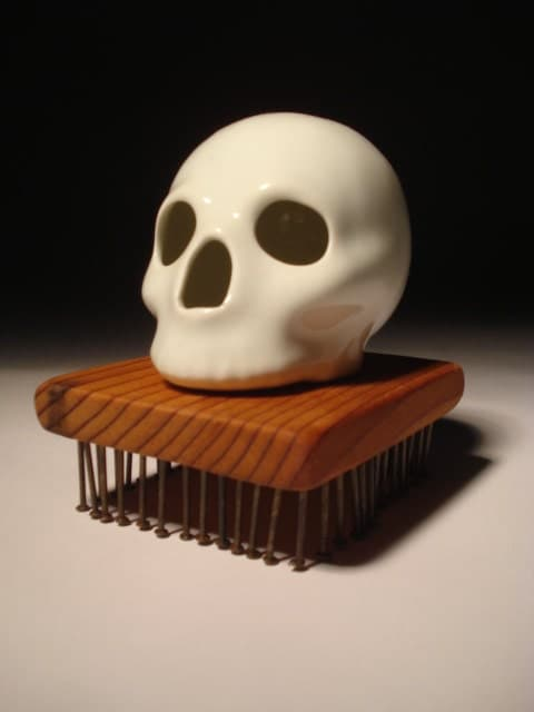 Single Gloss White Skull With Salvaged Red Wood Mini Table Stand