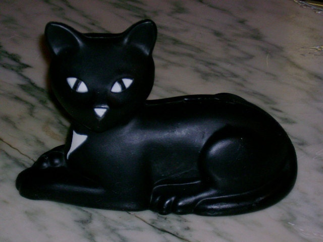 vintage 1981 eveready battery black cat plastic blow mold bank advertising piece MINTY RAD - BitsyBaublesDesigns