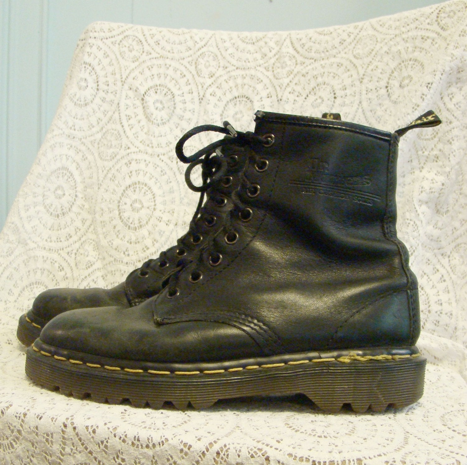 classic doc martens combat boots in black 90 s by