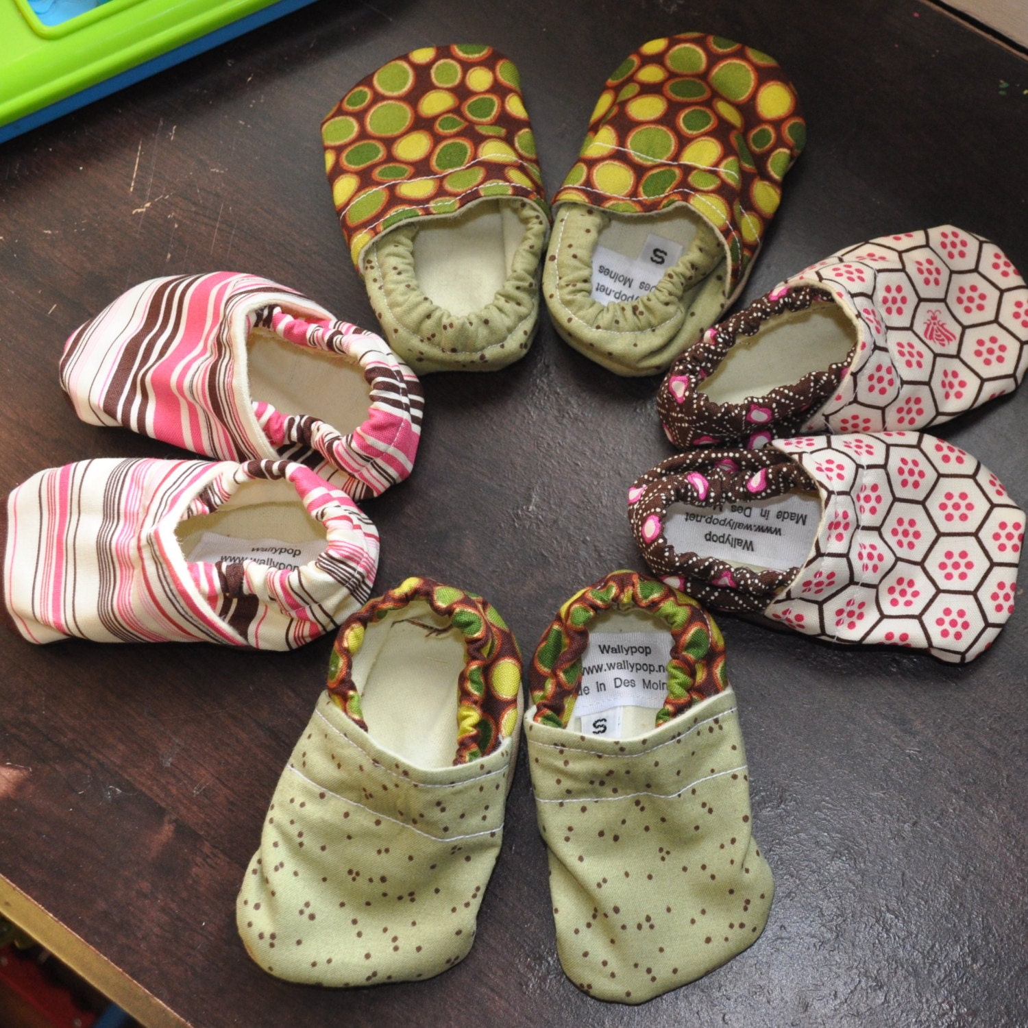 Adorable soft baby shoes, 0-8 months, choose from several fun, bright prints - BoulevardDesigns