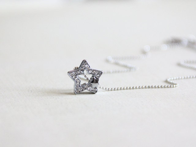 Wishing Star Necklace. Rhinestone. Little Star. Everyday Wear. Simple. Perfect Christmas Gift for Her