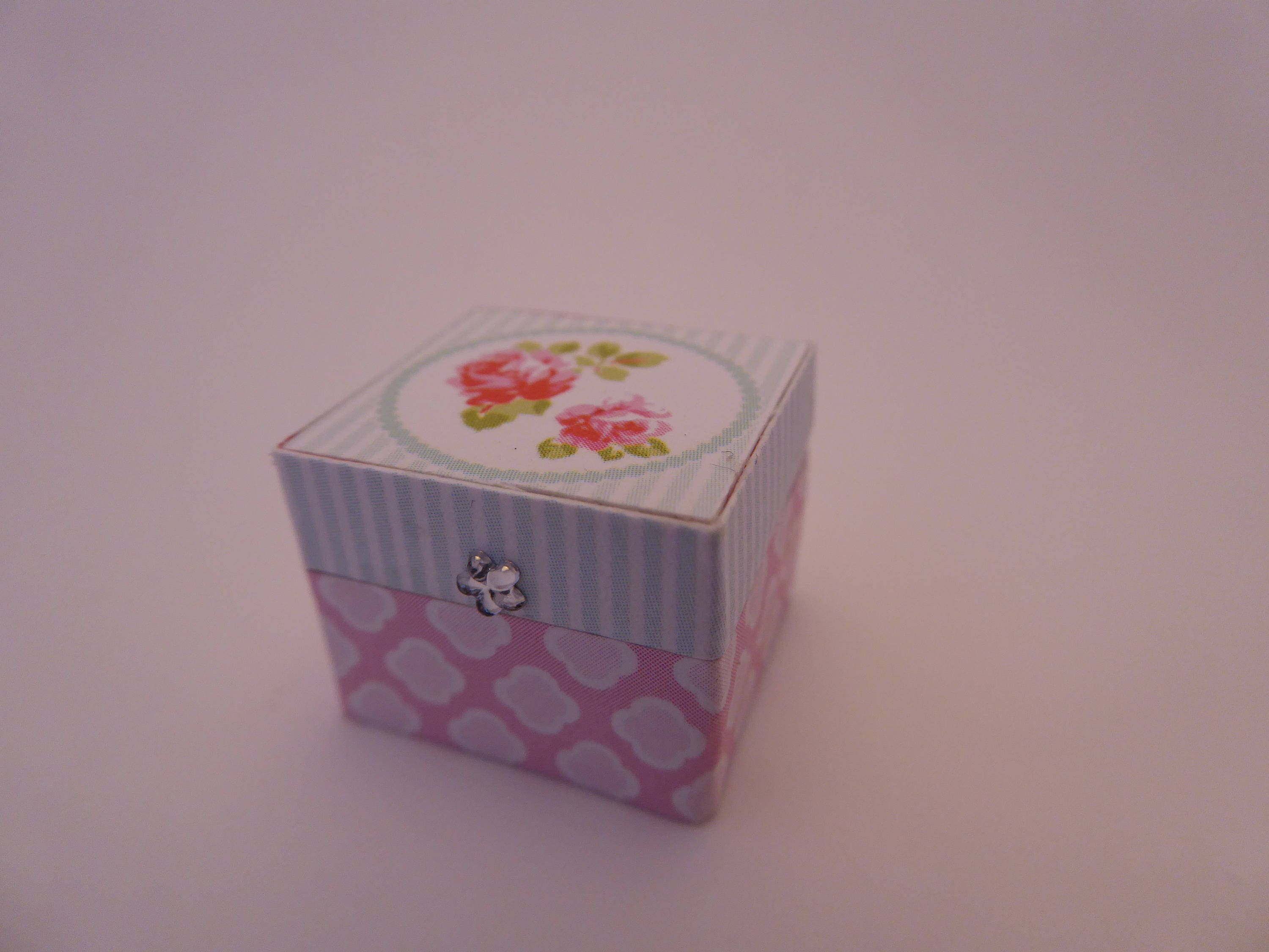 Beautiful handmade jewellery box for the modern 112th scale dolls house  bluefloral  shabby chic accessory