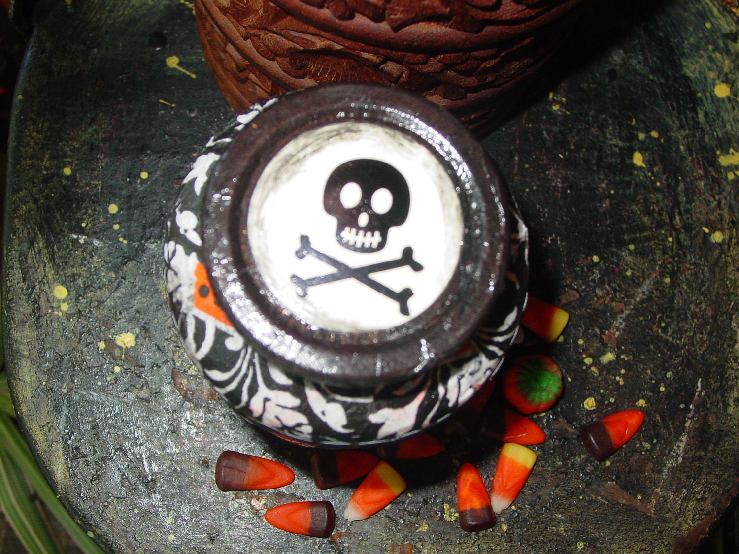 OOak Halloween KITSCH bottle VENOM and Sweet Treats