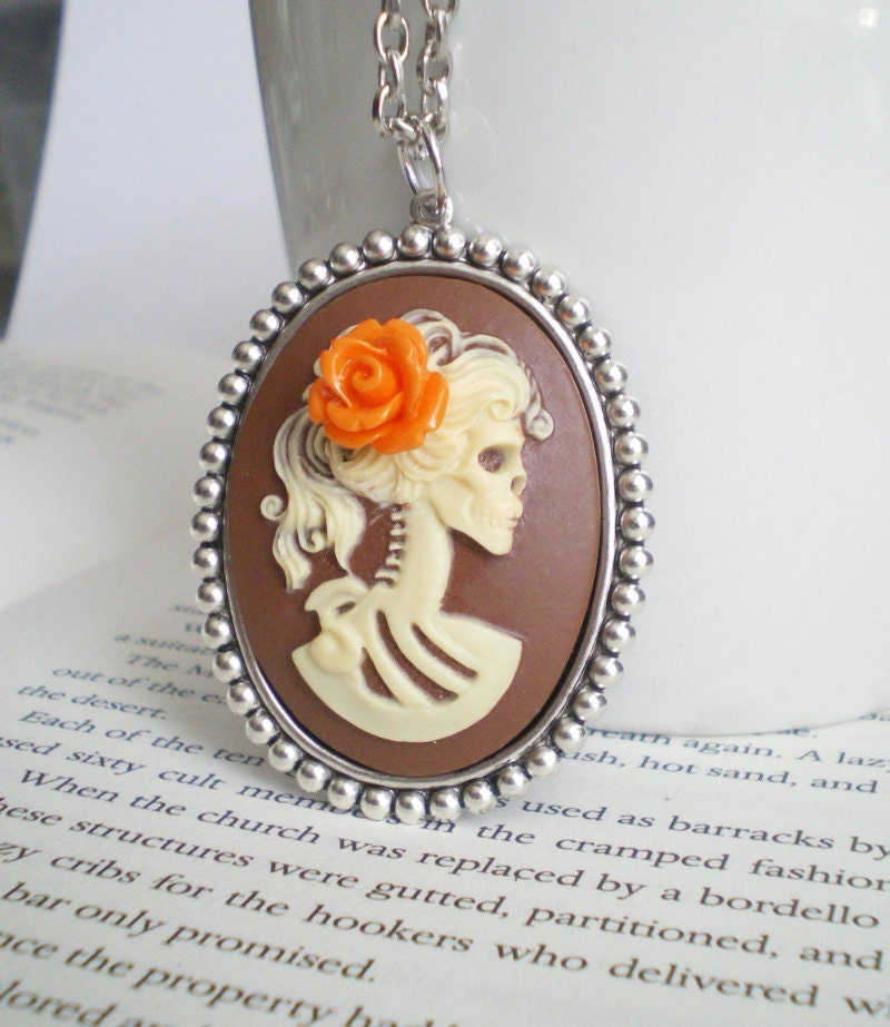 Fall Necklace, Skeleton Necklace, Fall Colors, Autumn Jewelry, Fall Wedding, Halloween Wedding. - mysweetn0vember