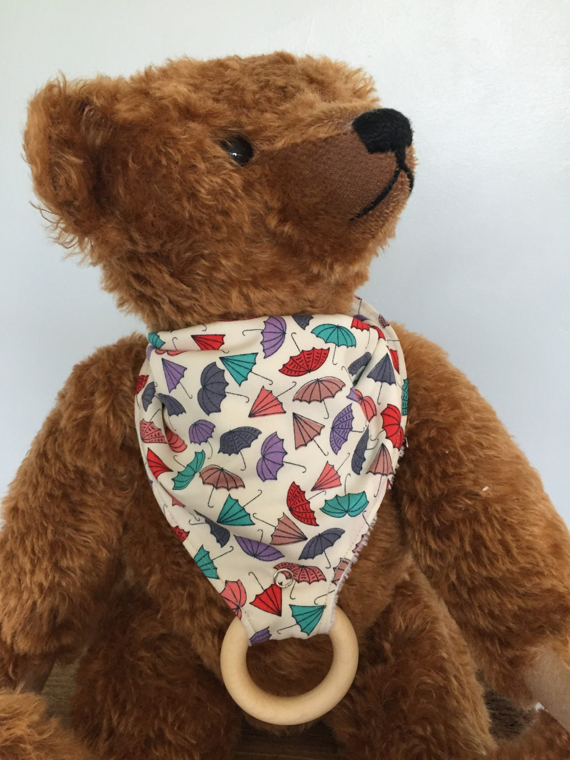 Handmade umbrella pattern dribble bib with attached wooden teething toy bandana bib new baby gift baby shower gift
