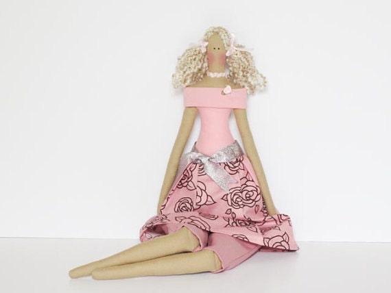 Ткань куклы пастельных розовых роз авторской куклы блондинки ткани куклы куклы коллекционные потертый шик подарок на день рождения куклы для девочек