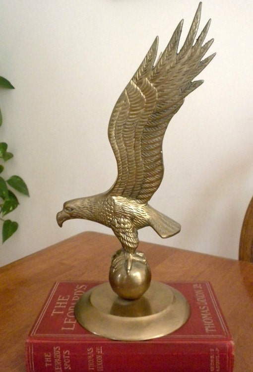 Vintage brass eagle figurine home decor 11 high solid by for Brass home decor