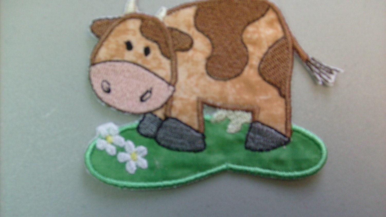 Barnyard Cow embroidered iron on applique or patch. Посмотреть магазин Dee