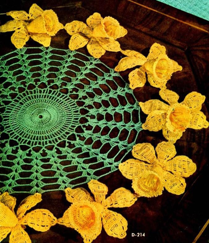 Free Pattern Crochet Daffodil : Daffodil Doily Crochet Pattern.. 14 inch.. and 14 by ...