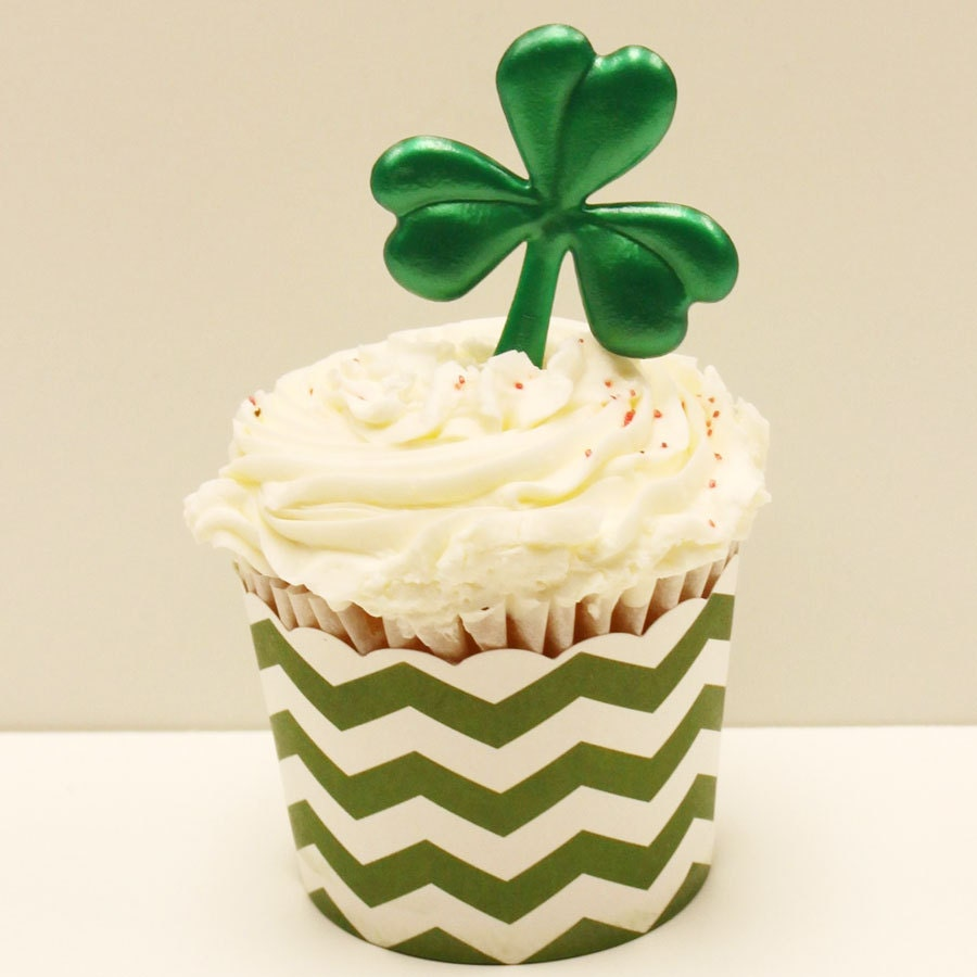 Items similar to FOUR LEAF CLOVER Cupcake Topper, St ...