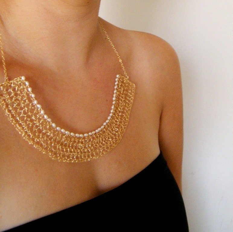 Crochet Gold Filled Wire and Pearls Nile Necklace