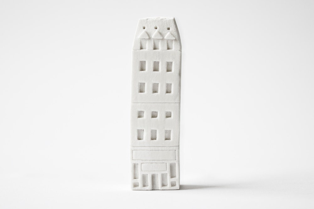 paris architecture - freestanding art object